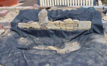 Installation of a flat sheet liner